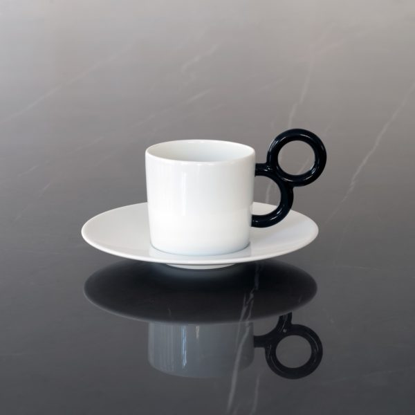 Tasse à café Maniériste noire et blanche - Coffee cup in black and white - Fine porcelaine de Limoges Made in France