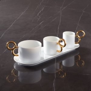 Coffret cadeau de tasses en porcelaine de Limoges design avec décor peint à la main en or brillant - Gift box with 3 cups in porcelain from Limoges hand painted with gold gilding - Made in France